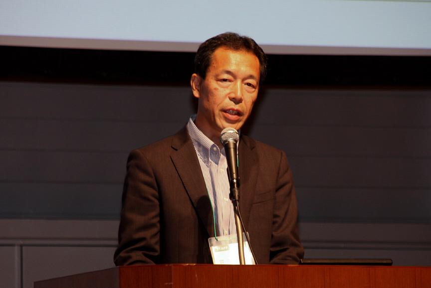 CHAdeMO協議会事務局の丸田理氏は2012年の計画について紹介し、今年は「さらなるオープン化で世界に飛躍を!」をキーワードに「標準化活動の推進」「コミュニケーションと透明性の向上」「広報活動の強化」を行っていくと述べた