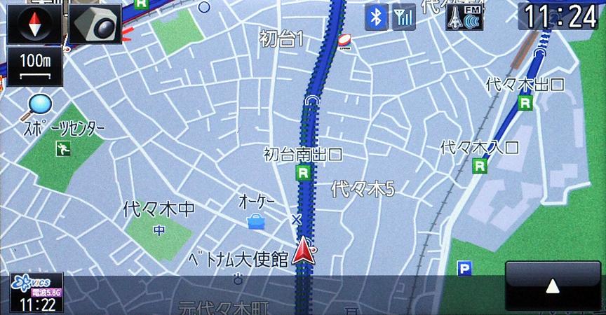 精度の検証として地下を走る都市高速から一般道に移動してみた。ご覧のように地図が都市高速から通常に変化、高低差をきちんと認識していることが分かる