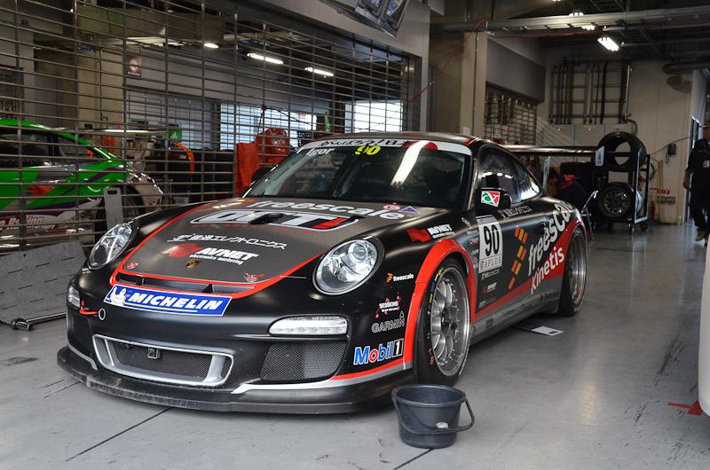 OGT!レーシングの90号車