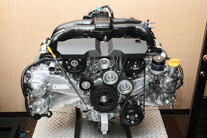 最高出力127kW(173PS)/5600rpm、最大トルク235Nm(24.0kgm)/4100rpmを発生するFB25エンジン。自然吸気のため、シンプルな作り