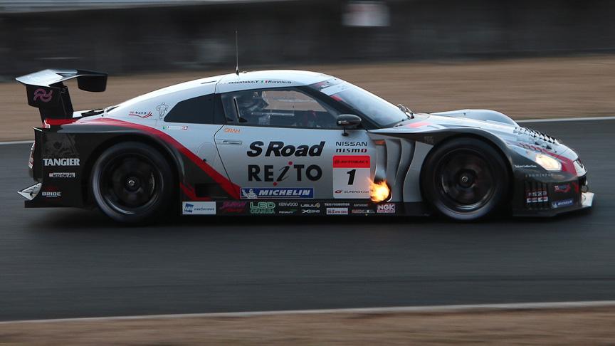 チャンピオンゼッケンをつける1号車 S Road REITO MOLA GT-R(柳田真孝/ロニー・クインタレッリ)