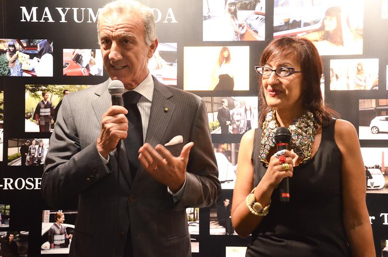 ペトローネ大使は「コスチューム・ナショナルとアルファ ロメオのコラボレーションは、イタリアのライフスタイルの表現」とスピーチした