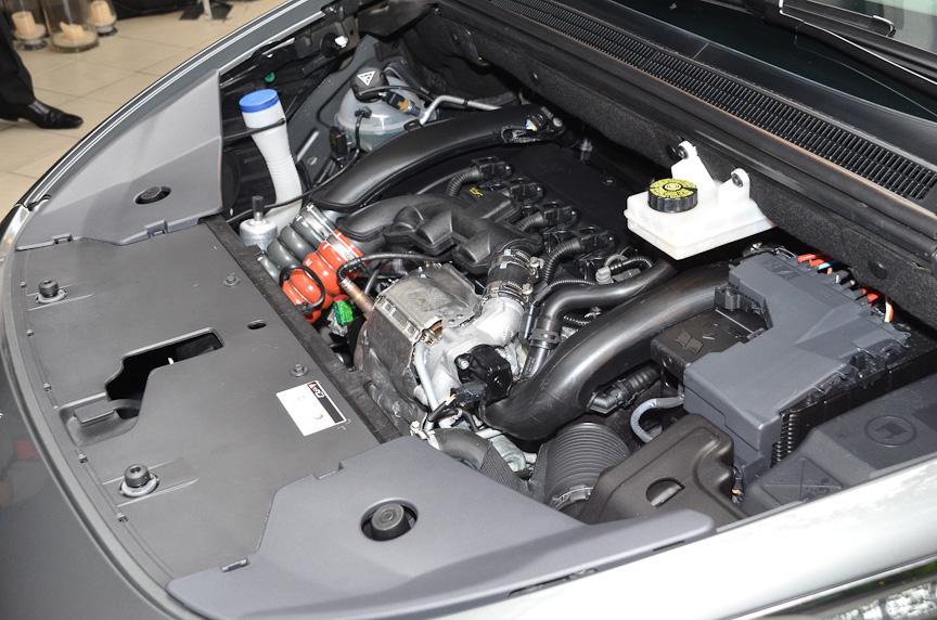 1.6リッター直噴ターボエンジンを搭載