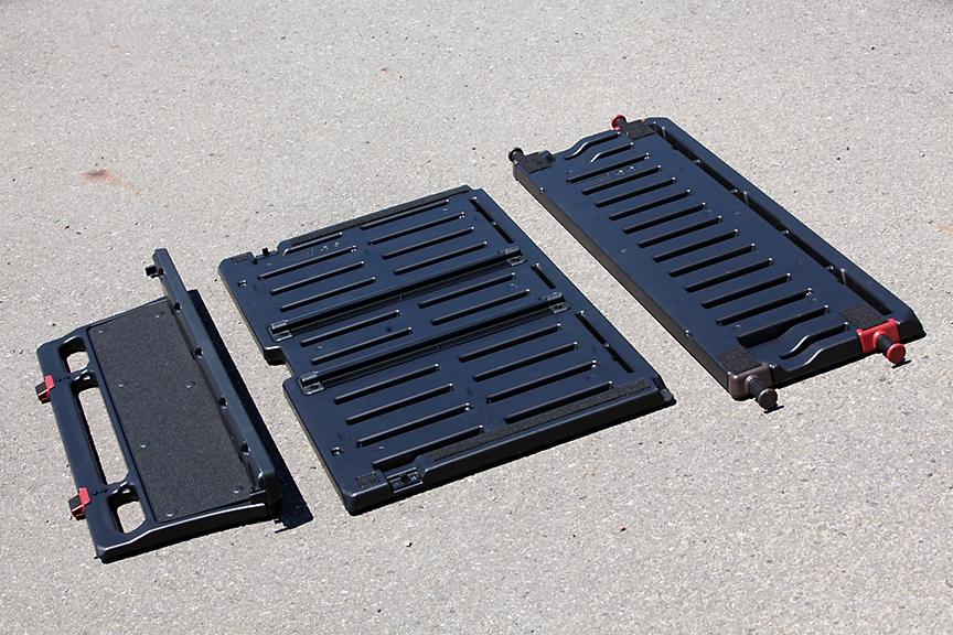 ラゲッジに用意されている3枚のボード。右から「ラゲッジボード(小)」「ラゲッジボード(大)」「エンドボード」