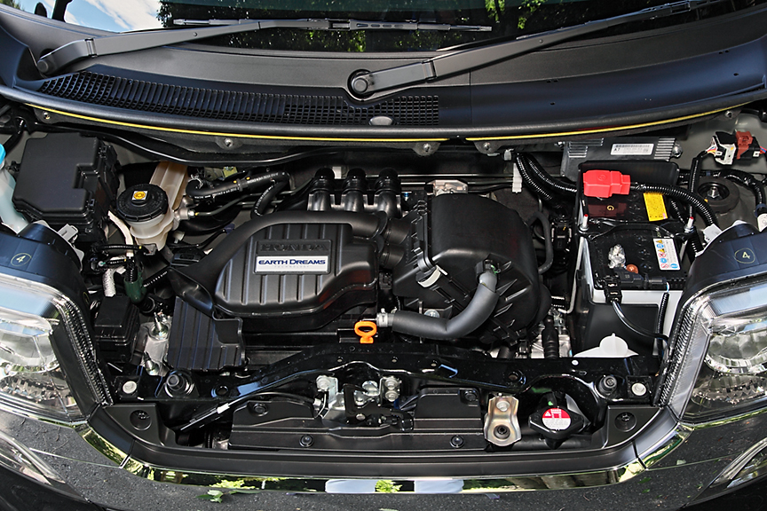 撮影車両はノーマルモデルと同じく自然吸気エンジン搭載車