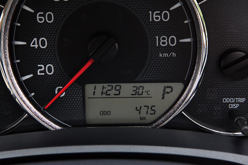 ドライブモニター表示。こちらも平均燃費や航続距離、オド、トリップなどの表示が可能