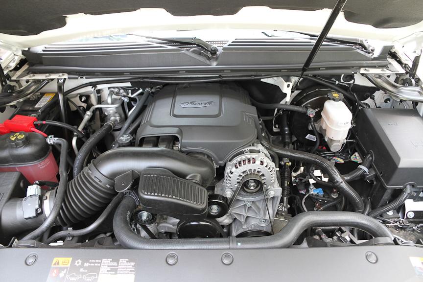気筒休止システムを持つV型8気筒 0HV 6.2リッターエンジン