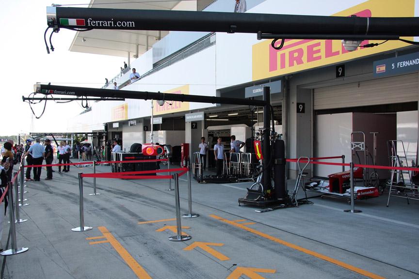 フェラーリはエアガンはまだ装着されていない