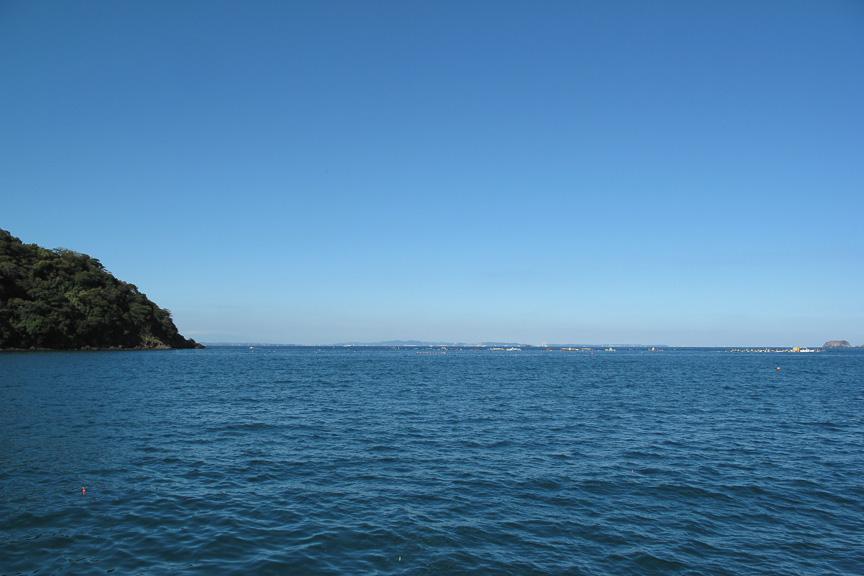 最高の秋晴れに、最高の釣り日和。釣れても釣れなくても、のーんびり海を眺めているだけでも楽しい(でも釣りたい)