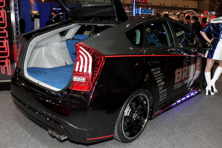 シートメーカーであるBRIDEのマシン。内装はブリッドのシートとラゲッジを同じ生地でコーディネイトしている