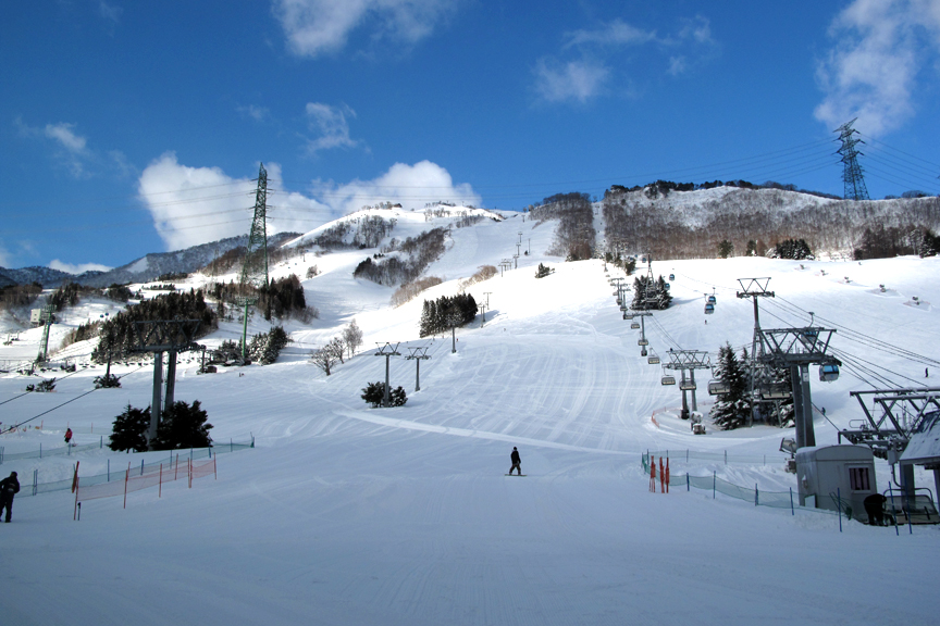 まるで絵はがきのような美しさ。スキーもしたいが、シノケン先生と会えると思うとワクワクが止まらない!
