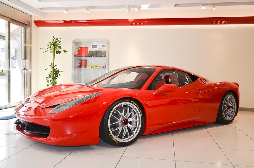 発表会場に展示されたフェラーリ・チャレンジ用車両「458チャレンジ」