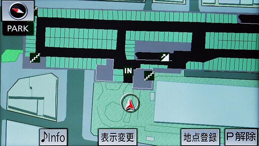 地下駐車場での精度チェック。駐車場マップが用意されていたこともあってこちらも文句なしの精度。出口や階段などの記載がある駐車場マップはとても便利だ