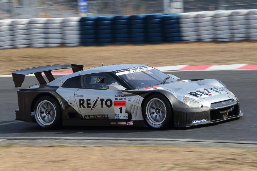 MOLAチームは、ニスモから移籍した本山哲選手と、GT300からステップアップした関口雄飛選手のコンビ。ミシュランを装着
