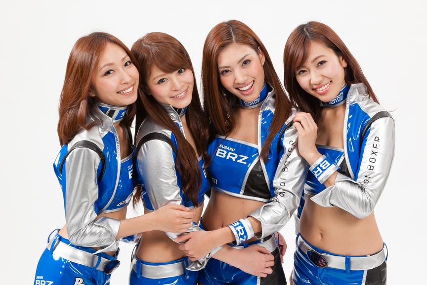2013年のレースクイーン「BREEZE」。左から上條かすみさん、春菜めぐみさん、青山めぐさん、森江朋美さん