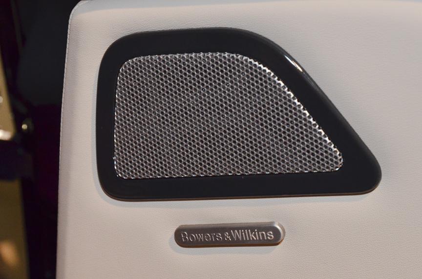 バウワース&ウイルキンスの15スピーカーシステムはオプション