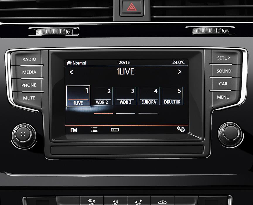 新世代ラジオオーディオシステム「Composition Media」は5.8インチタッチスクリーンでオーディオや車両設定などが可能