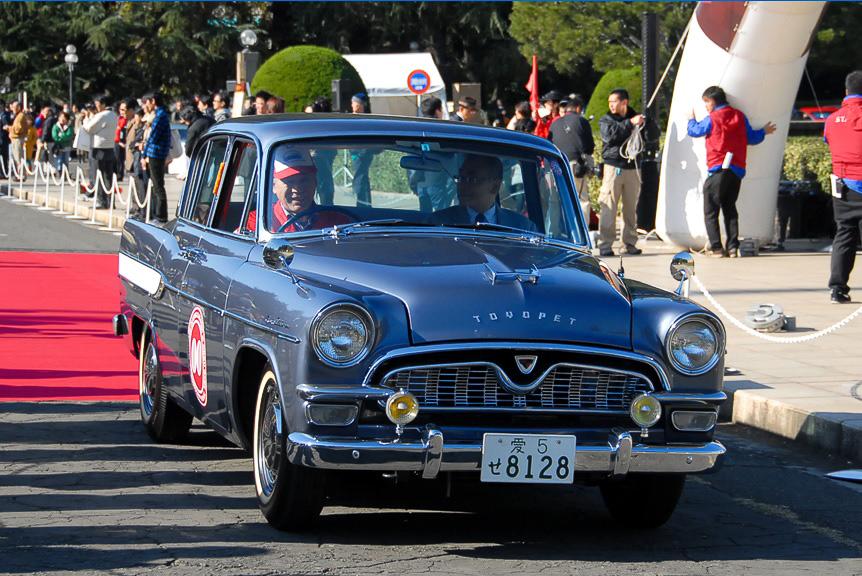 クラシックカー・フェスティバルのパレードで先導車として使われる「クラウンRS21型(1960年)」