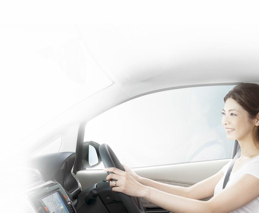 車両前方の視界を広げ、快適で運転しやすいインテリアを実現。フロント側のドアガラスには紫外線を99%カットする「スーパーUVカットガラス」を使い、女性ユーザーにアピールする