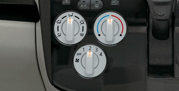 デイズ J/Sはダイヤル式のマニュアルエアコンを装着