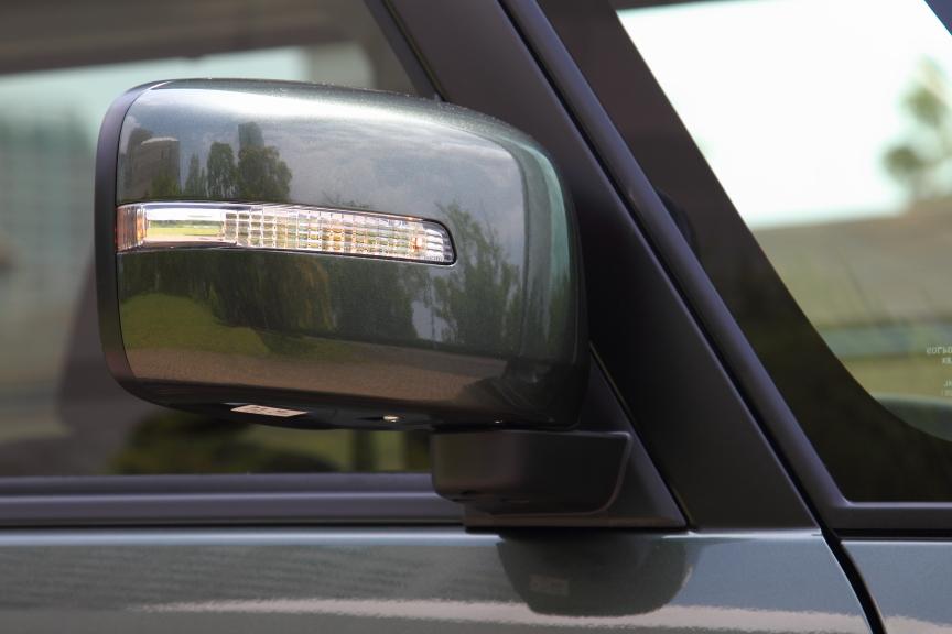 LEDサイドターンランプ付ドアミラーは標準装備