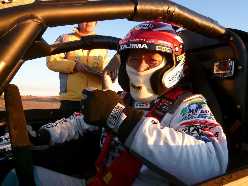 2013 E-Runner Pikes Peak Specialとドライバーのモンスター田嶋選手(パイクスでは地元の人々からも大人気!)