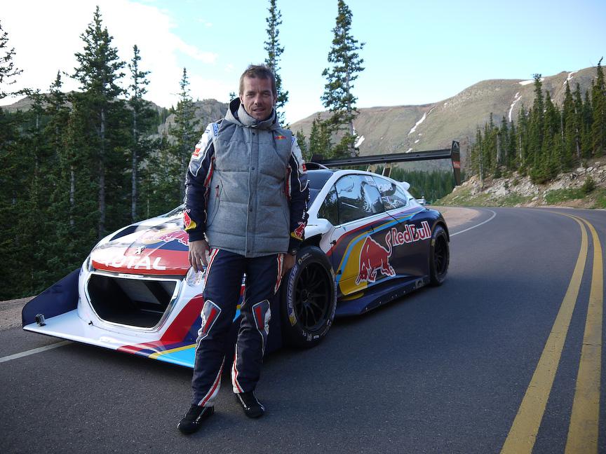 2013 Peugeot 208 T16 Pikes Peakとセバスチャン・ローブ選手
