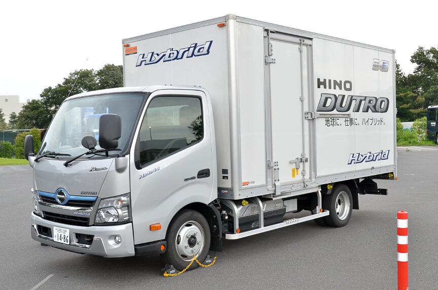 小型トラック、デュトロ