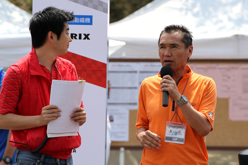 TRDラリーチャレンジのスタートにはラリードライバーの篠塚建次郎選手も登場