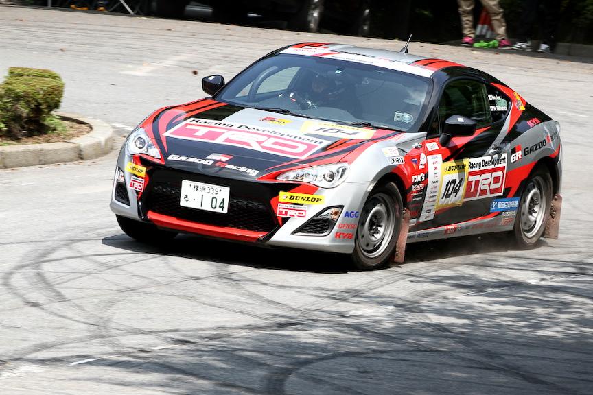 渋川市総合公園内に設けられたSS1を走行するモリゾウ選手