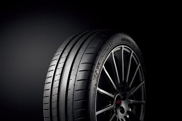 225/40 ZR18(92Y)タイヤ(ミシュラン パイロットスーパースポーツ)