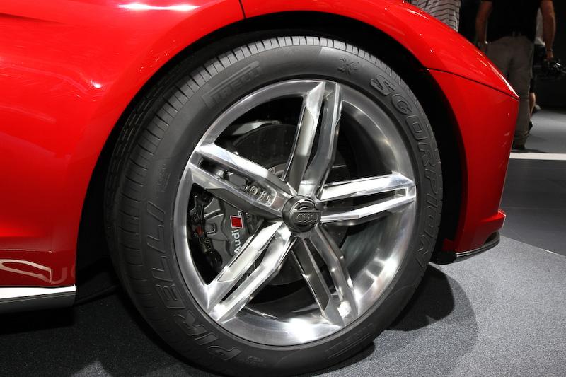 ナヌーククワトロコンセプトのボディーサイズは4541×1990mm×1337mm(全長×全幅×全高)、ホイールベース2710mm