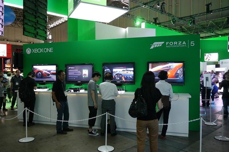 マイクロソフトブースにある「Forza Motorsport 5」試遊台