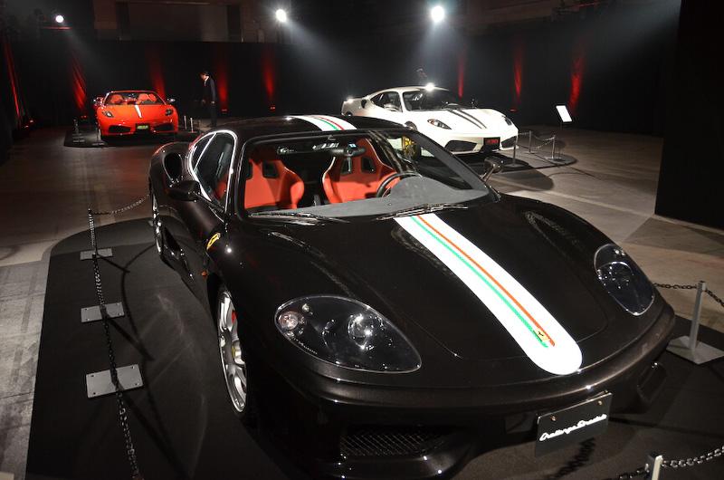 会場には歴代V8スペシャルバージョンが展示された。フェラーリ360モデナがベースの「チャレンジ・ストラダーレ」
