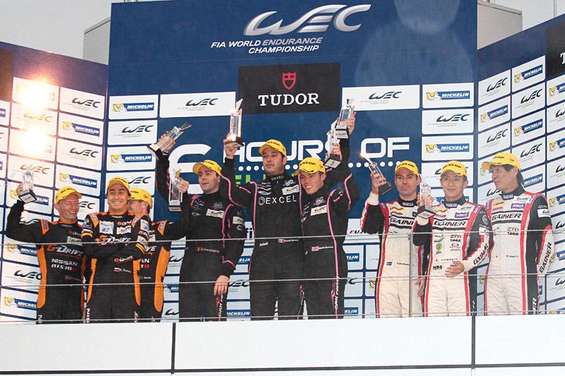 LMP2の表彰式。優勝はOAKレーシングのモーガン・ニッサン 35号車(ベルトラン・バゲット/リカルド・ゴンザレス/マーティン・プローマン)