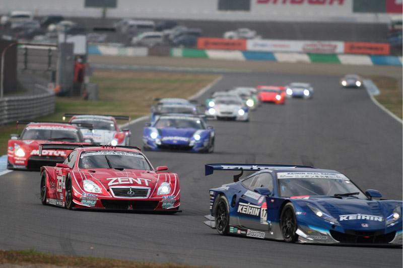 ポイントトップの38号車は17号車に次ぐ3位