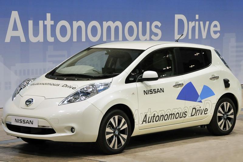 先だって行われたCEATEC、ITS世界会議東京などでデモンストレーションを行って注目を集めた自動運転技術についても展示を実施。また、リーフでは12月に発売予定の「リーフ エアロスタイル」も展示予定となっている
