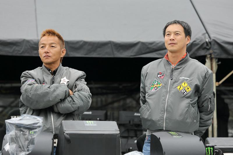 審査委員長の神本寿氏(左)と審査員の飯田章氏(右)