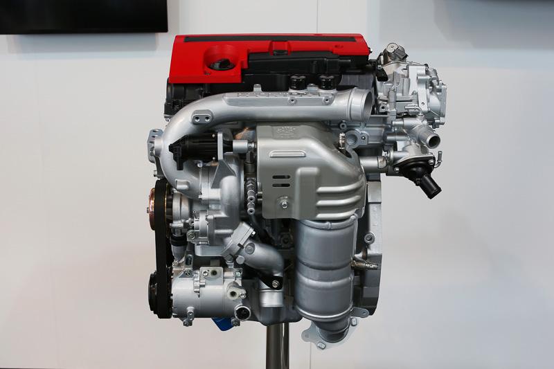 直列4気筒 2.0リッター直噴ガソリンターボエンジン