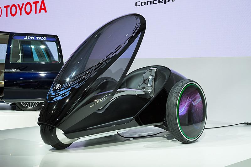 ボディーサイズは全長3000×全幅1600×全高990(駐車時)~1780mm(運転時)、ホイールベースは2360mm