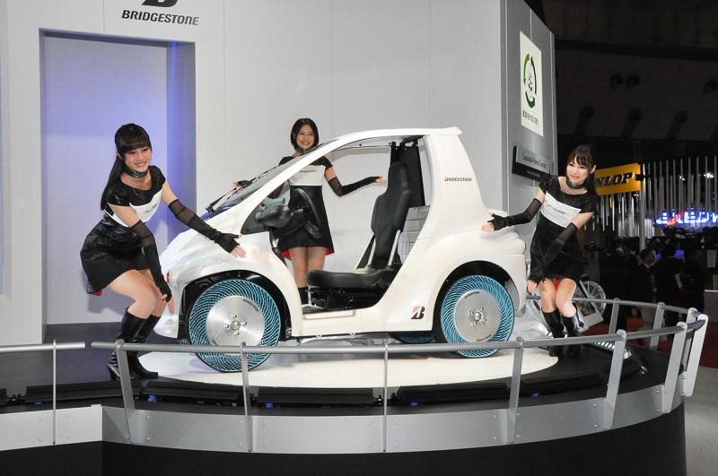 第2世代エアフリーコンセプトタイヤ装着車のアンベール