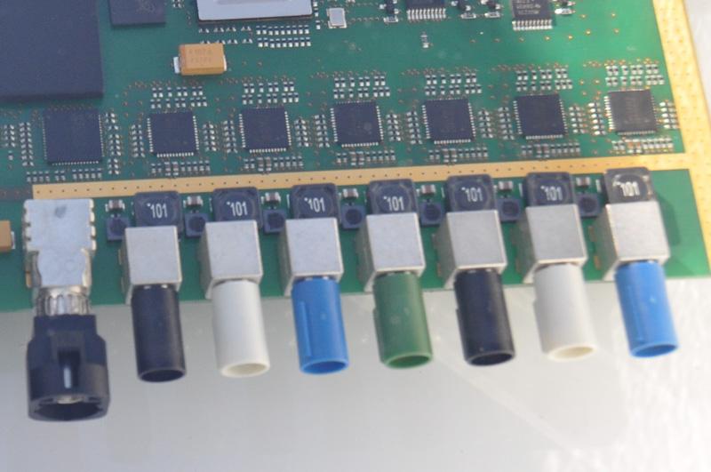 各種センサーからの信号が入力される個所