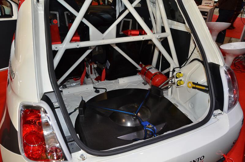 消火器などを装備