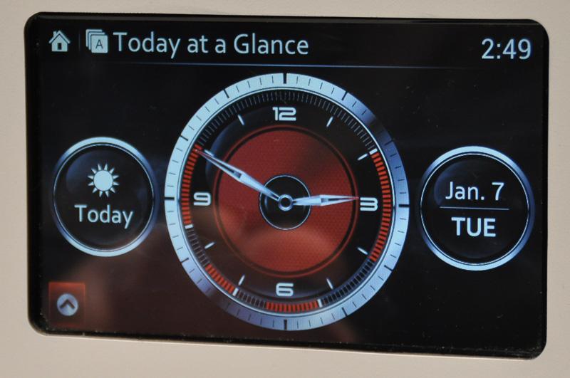 Today at a Glanceと名付けられたマツダコネクト用アプリ。魂動デザインで作られているという
