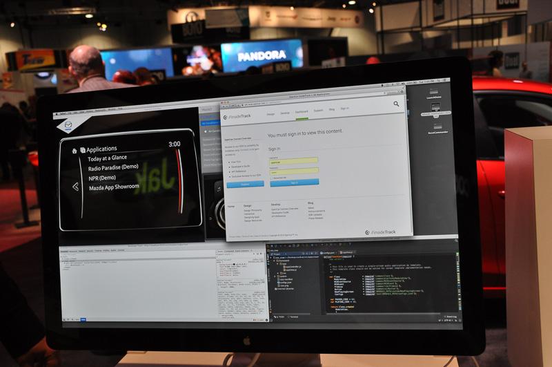 Macintoshで動作していたWebブラウザ「Chrome」で表示されていたマツダコネクトの開発環境。WebブラウザにChromeを使用しているのは、Windows PCでも開発できることを分かりやすく示しているのだろう