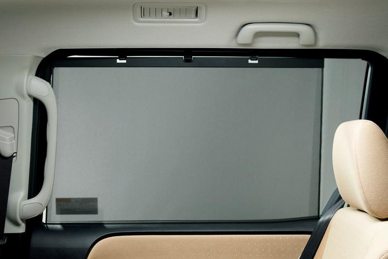 スライドドアの「後席用サンシェード」は全車標準装備