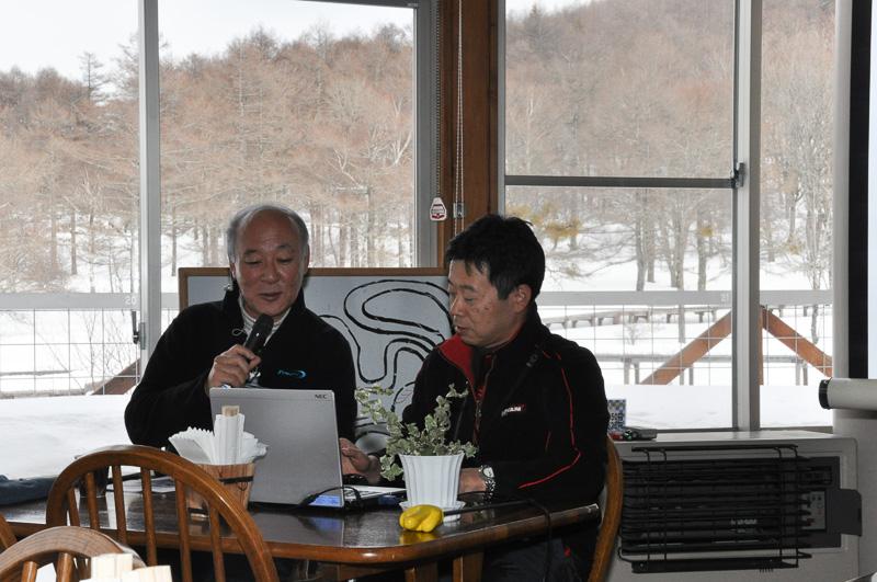 iceGUARD5 & PROSPEC Winter Driving Parkの目玉の1つ。日下部氏とスタッドレスタイヤ開発者 橋本氏による座学の時間