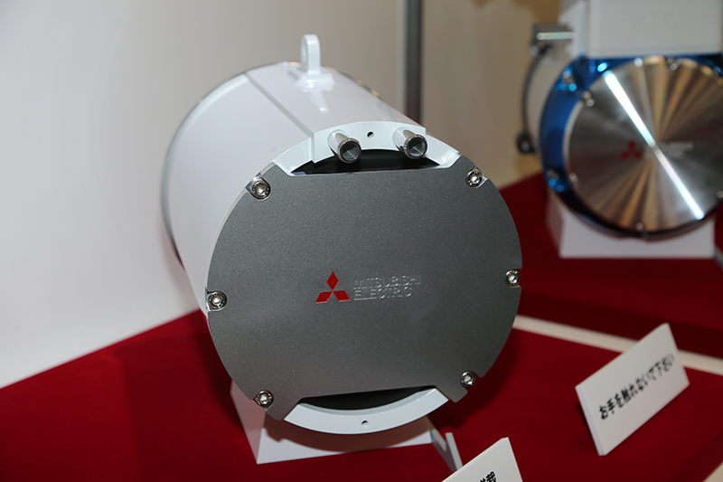 水冷システムは筐体外周部に内蔵。インバーターをモーターと同軸線上に一体化している