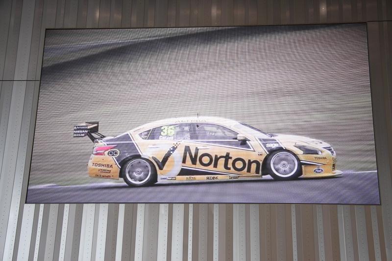 1月に発売されたティアナの海外版である「アルティマ」でオーストラリアのトップレーシングカテゴリーレース「オーストラリアV8スーパーカーズ」に2013年度に引き続き参戦
