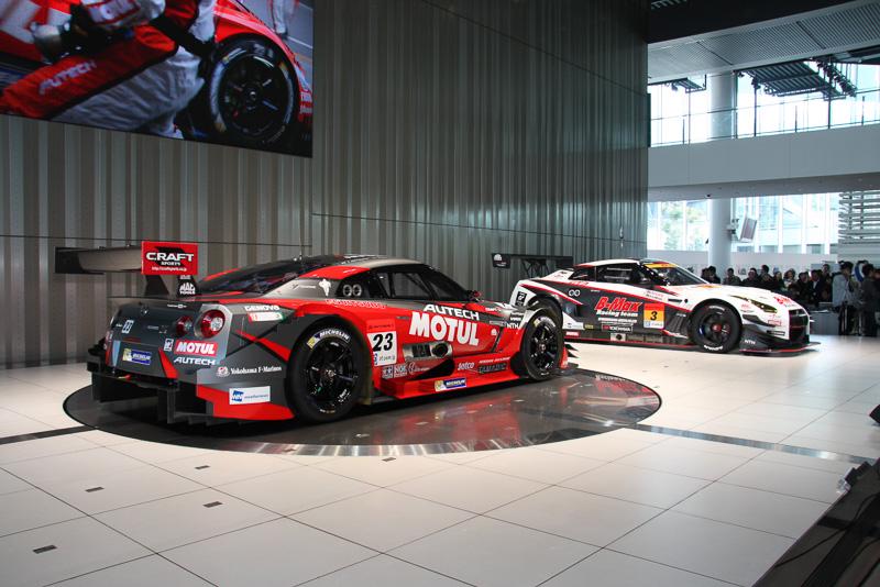 GT500の車両に加え、GT300で走行するFIA GT3仕様のB-MAX NDDP GT-R 2014年モデルもお披露目された